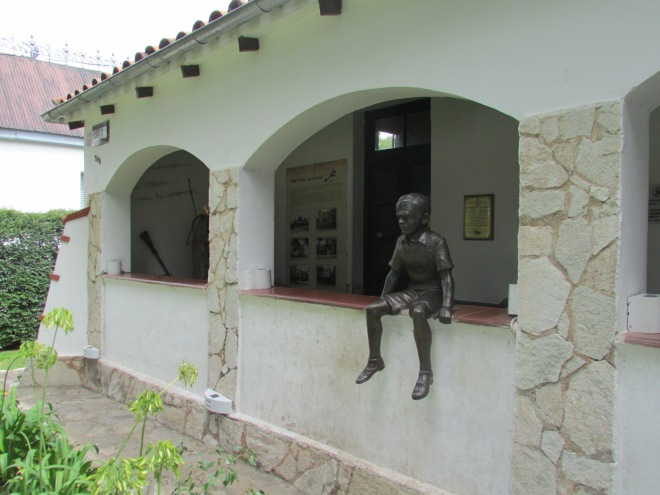A statue of 'Che' as a child sits outside the museum that used to be his former home in Alta Gracia.